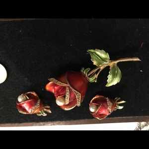 Vintage Rose brooch with matching earring